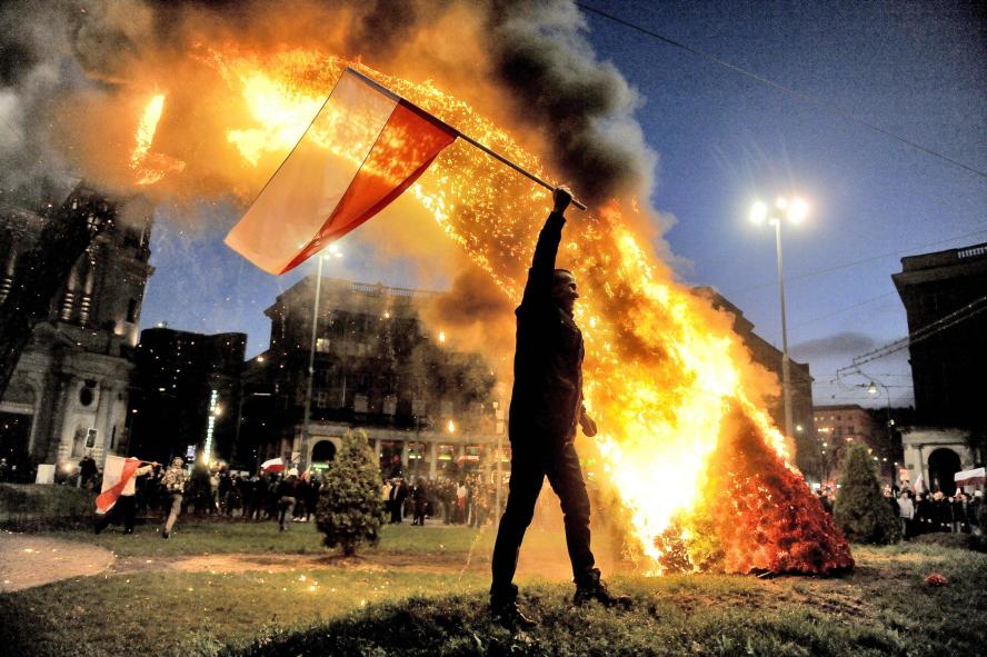 varsovie-11112013-marche_independance-homo-fire