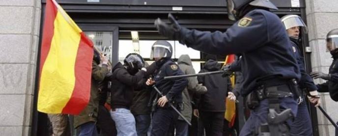 liga-joven-repression-10062014