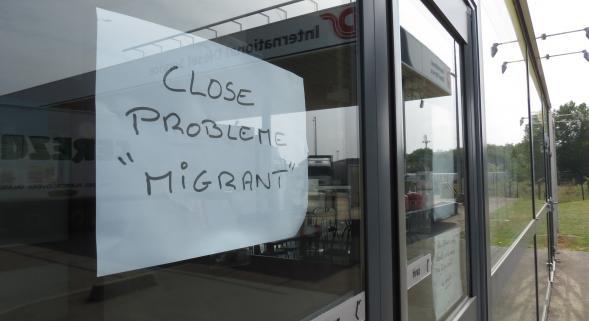 migrant-invasion-calais-fermeture-commerce