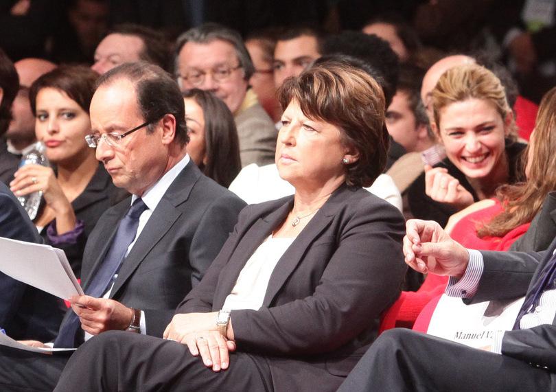 Francois-Hollande-Martine-Aubry-Manuel-Valls-Julie-Gayet_exact810x609_l