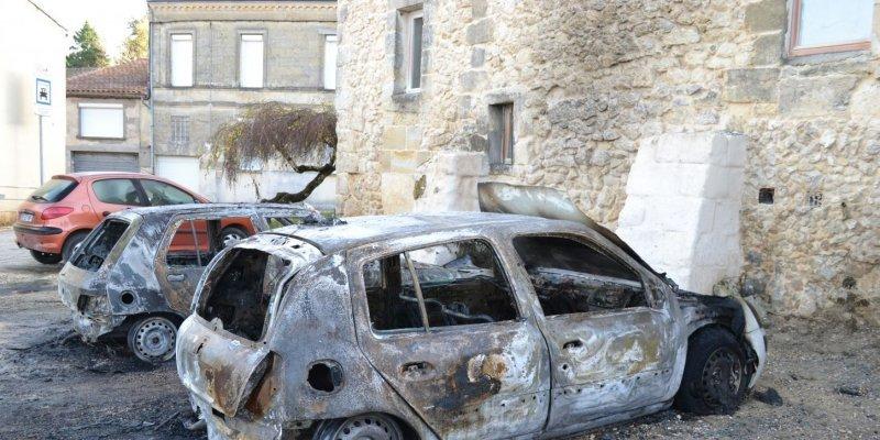 paillet-voitures_brulées