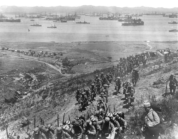 Débarquement de troupes françaises à Moudros (île de Lemnos)