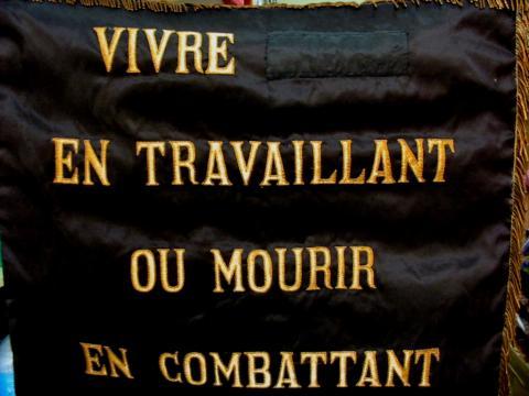 https://jeune-nation.com/wp-content/uploads/2014/11/Drapeau-canuts.jpg