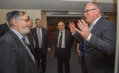 Frans Timmermans-Conférence des rabbins européens