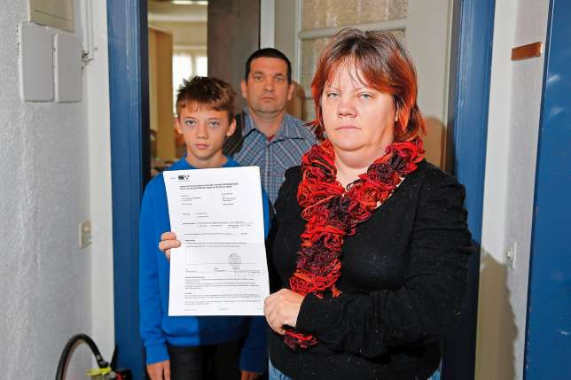 Expulsée parce que suisse, la famille Ottiger doit laisser la place à des colons.