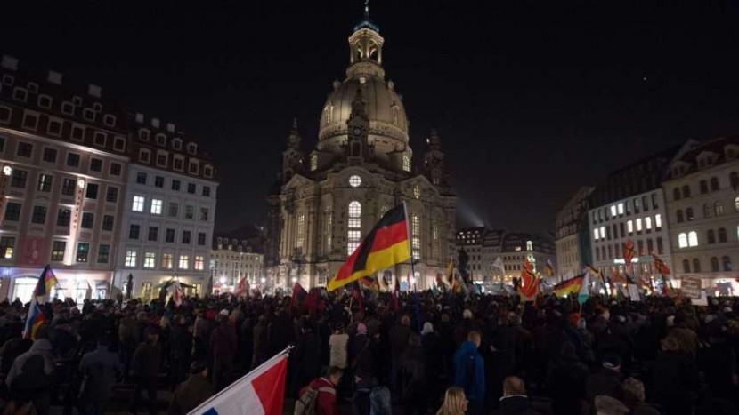 PEGIDA: 4000 patriotes à Dresde