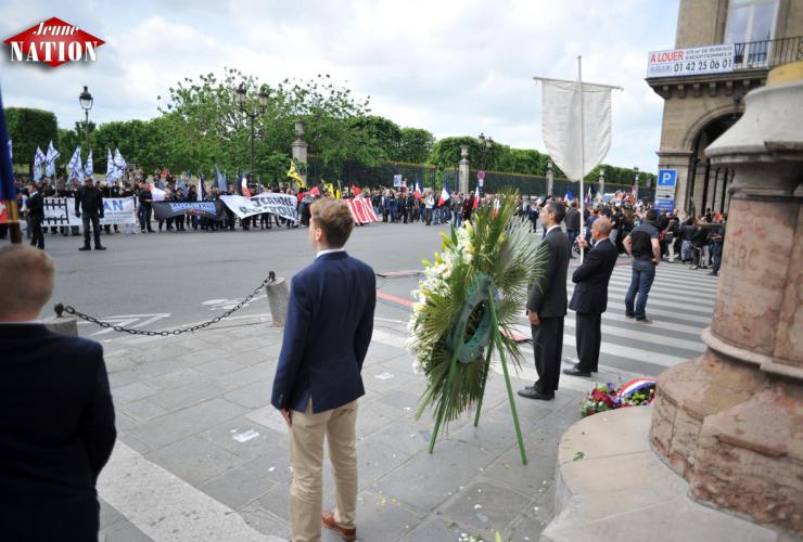 Photo réalisée au pied  de la statue de Jeanne d'Arc