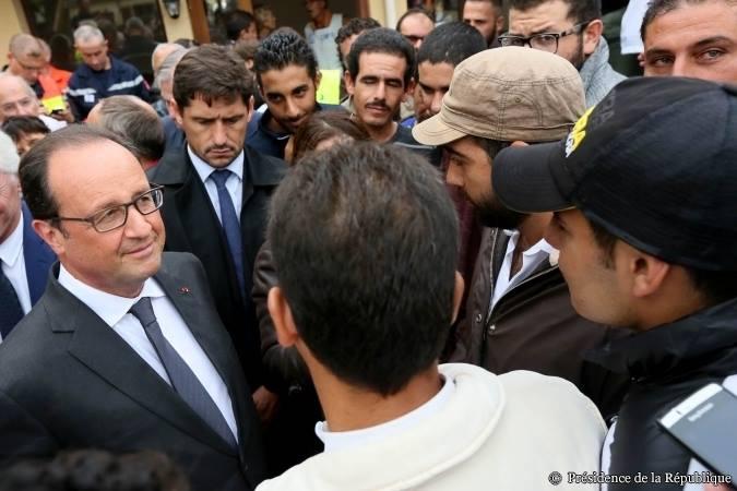 François Hollande méprise les chômeurs et les Français pauvres mais visite les envahisseurs