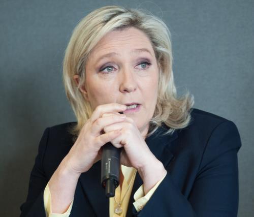 La Le Pen dévoile une partie de son équipe de campagne