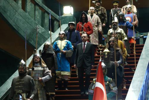 Turquie : le nouveau Premier ministre est un valet d'Erdogan
