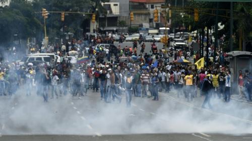 Venezuela : émeutes de la faim et référendum révocatoire