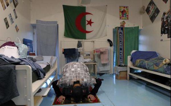Islamistes en prison : ateliers art, yoga, ciné-débats, les détenus apprécient le confort