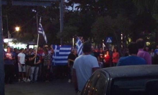 Grèce : répression violente d'une manifestation anti-envahisseurs à Chios (vidéo)