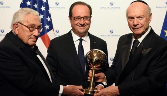 François Hollande : le judaïsme politique récompense un de ses zélés serviteurs