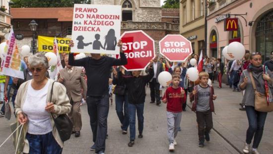 Pologne : proposition de loi pour restreindre le meurtre des enfants à naître
