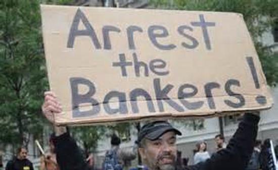 Islande : 46 années de prison pour les 9 banksters responsables de la crise de 2008