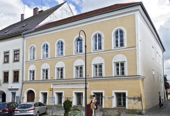 Autriche : l'État veut raser la maison natale d'Adolf Hitler