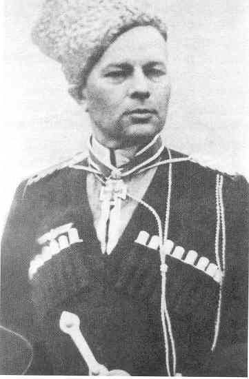 8 novembre 1942 : Helmuth von Pannwitzdevient le Kommandeur de toutes les forces cosaques