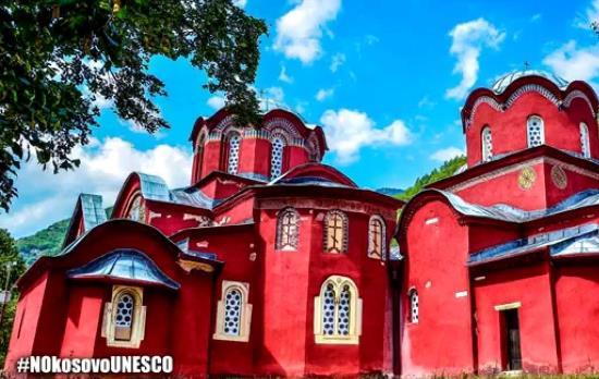 Kosovo : les images de destruction d'églises par les Albanais sont choquantes pour Instagram