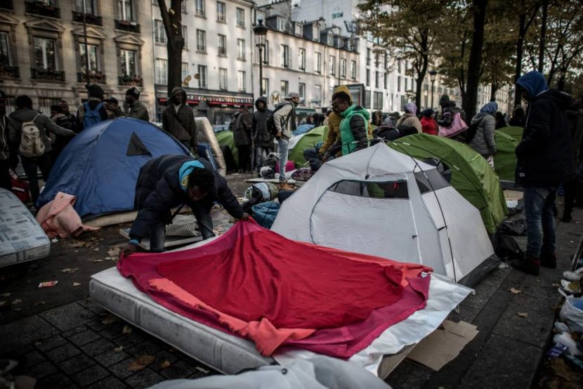 Paris : les habitants et commerçants excédés par l'afflux massif des migrants