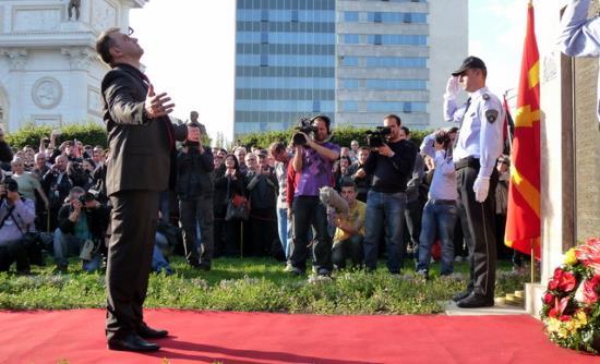 Macédoine : entrée au parlement du héros anti-séparatistes albanais Johan Tarculovski