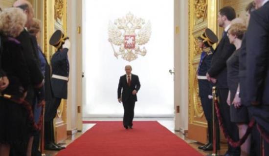 Poutine : la prise de pouvoir (vidéo)