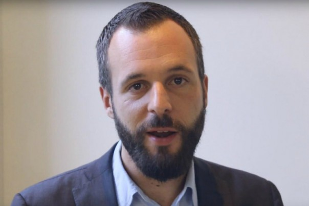 Florian Philippot place -sa sœur- son frère Damien dans l'équipe de campagne de la Le Pen