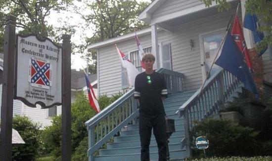 États-Unis : Dylan Roof condamné à mort. On n'entend pas les demandes de grâce…