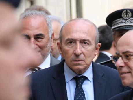 """Sanctionné par le Sénat, Collomb furieux d'être """"tombé à 4000 euros par mois"""""""