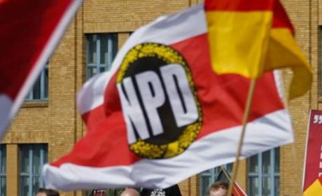 Allemagne : la Cour constitutionnelle rejette l'interdiction du NPD