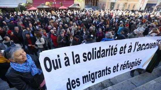 Nice : procès de Cédric Herrou, traître, complice des envahisseurs de la vallée de la Roya
