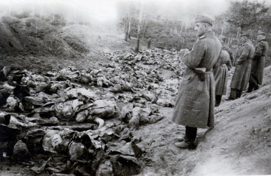 Dr. William Pierce – Que s'est-il passé dans la forêt de Katyn durant la Seconde Guerre mondiale? (vidéo)