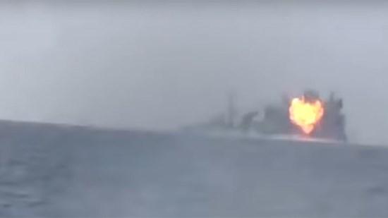 Yémen : spectaculaire attaque d'un bâtiment saoudien en mer Rouge (vidéo)