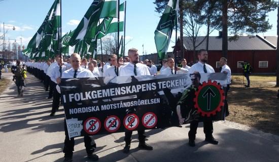 Suède : Nordfront défile pour le 1er mai à Falun (vidéo)