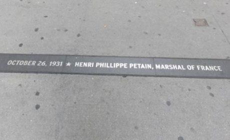 Après Charlottesville, le maire de New York veut retirer une plaque commémorative de Pétain