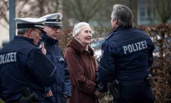 Allemagne : la célèbre « grand-mère révisionniste » Ursula Haverbeck, 88 ans, emprisonnée !