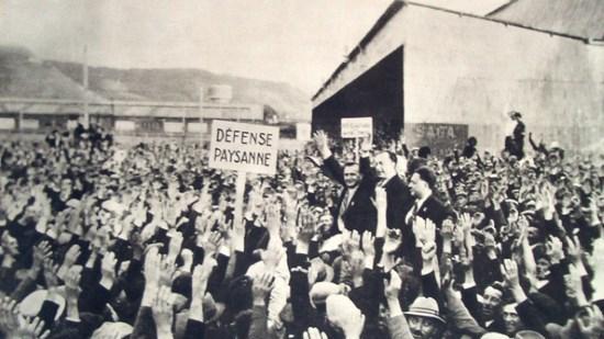 1er février 1930 : Dorgères fonde le 1er Comité de Défense Paysanne, ancêtre des « Chemises vertes »