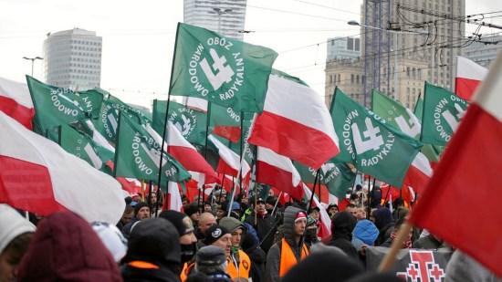 Une foule immense pour la marche annuelle de l'indépendance polonaise (photos + vidéo)