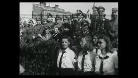 Les populations russes accueillent les troupes de la Wehrmacht – Images d'époque (vidéo)