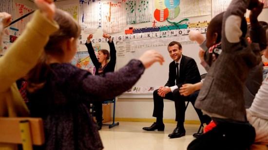 École obligatoire à 2 ans : le projet mondialiste de perversion des enfants !
