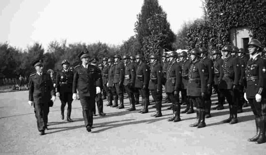 20 janvier 1942: la police parisienne prête serment au Maréchal Pétain