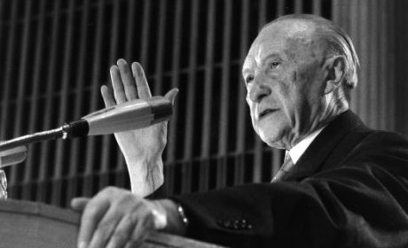 Konrad Adenauer (1876-1967) et la Waffen SS en 1952