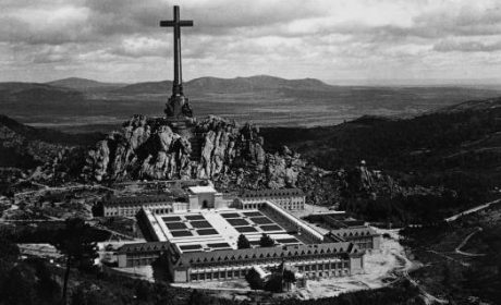 Inauguration de la Vallée de Los Caidos – images d'époque (vidéo)