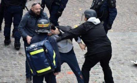 L'Élysée fabrique des «fausses nouvelles» pour protéger le viril ami de Macron