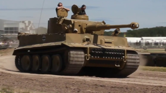 Un Char Tigre contre 50 T34, une histoire vraie (vidéo)