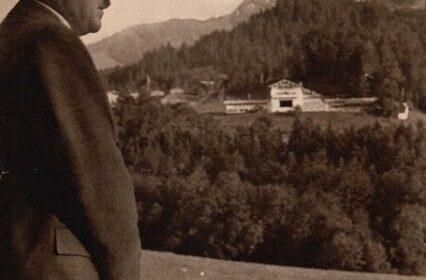 Nouveauté : 100 photographies du photographe personnel d'Adolf Hitler